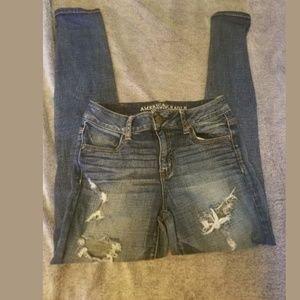 American Eagle Destroyed High Rise Jeans Size 2